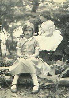 Ruth and sister Lisa
